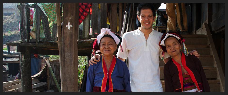 Padaung tribe - Myanmar Travel Essentials